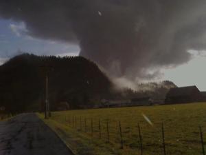 Funnel Cloud Enumclaw Washington (3)