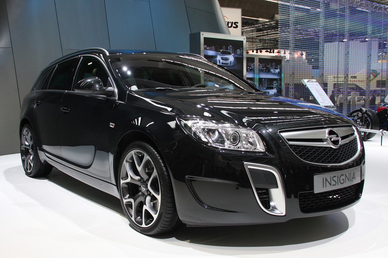 Opel Insignia OPC Sports